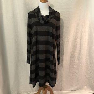 Ann Taylor LOFT Women's Large Dress Black Striped